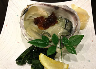 201874すし哲 岩牡蠣