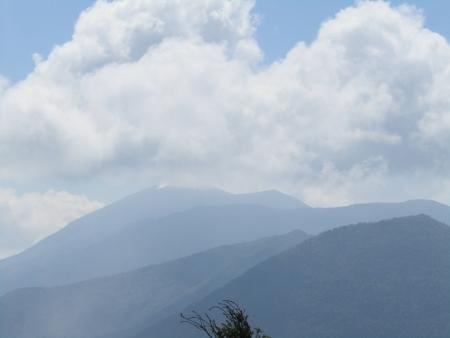 180801湯ノ丸山~烏帽子岳 (68)浅間山s