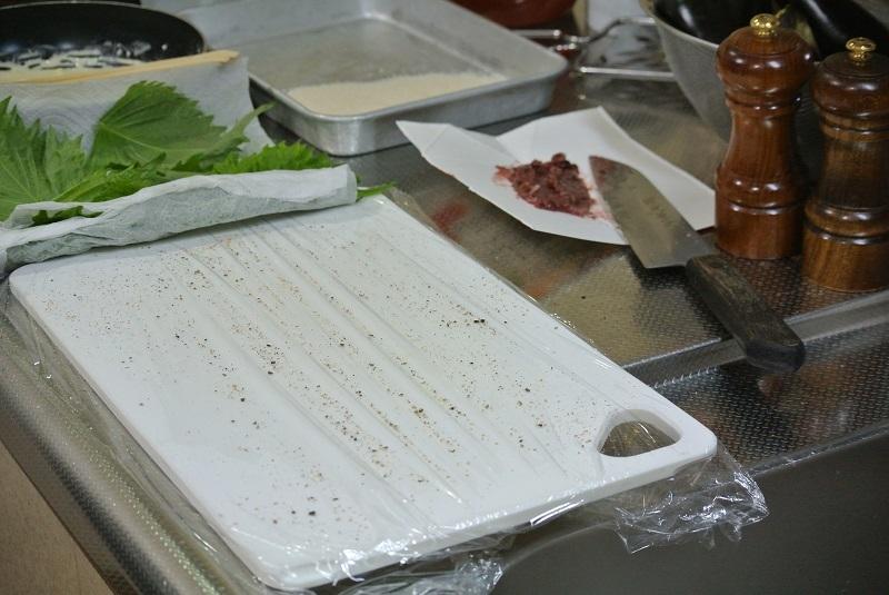 大葉と梅肉の肉巻きフライ3