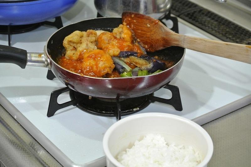 チリソース丼1