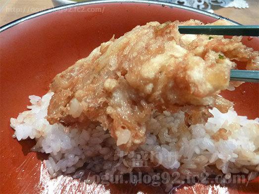 びっくり天丼の大きなかき揚げ016