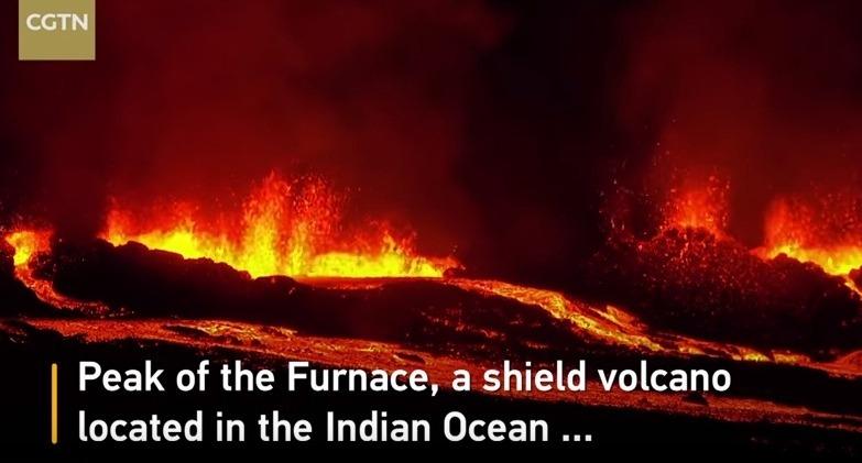 【フランス領】インド洋にあるフルネーズ火山が噴火