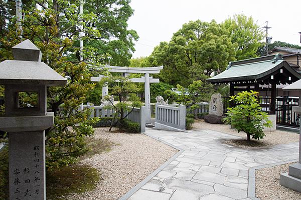 平和ヶ丘神社境内の風景