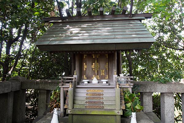 神徳神社の社