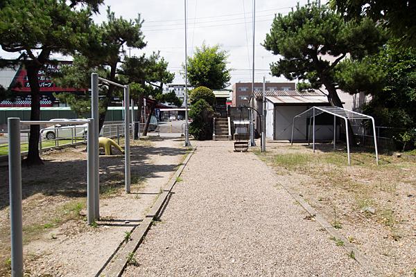 荒子川水神社参道と境内