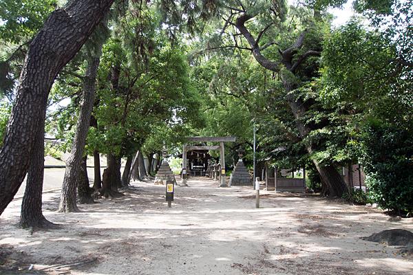 宝神町会所裏熱田社参道の風景