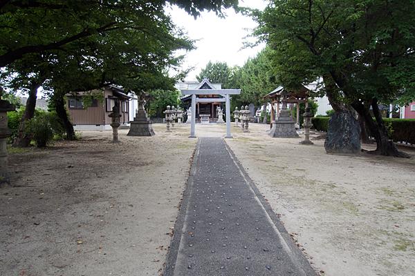多加良浦町神明社参道