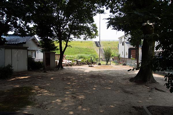 東八龍社境内の風景