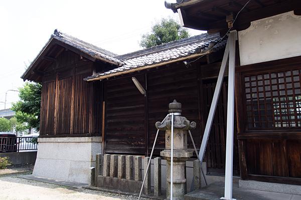 正徳2神明社社殿横から
