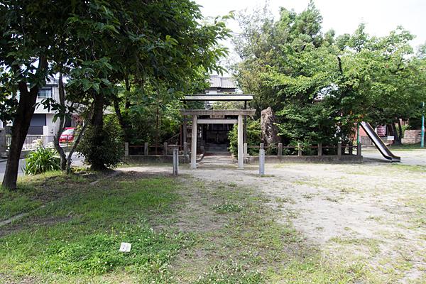 川間町竜神社