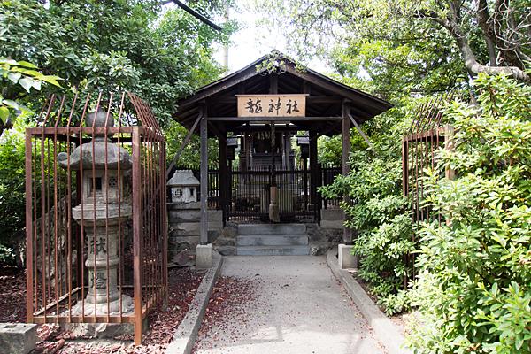 川間町竜神社入り口前