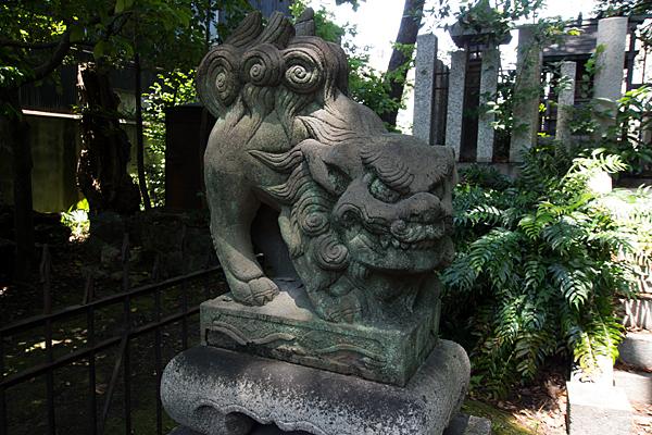 築地神社獅子