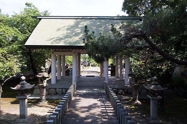 須成町素盞嗚神社本殿から拝殿方向