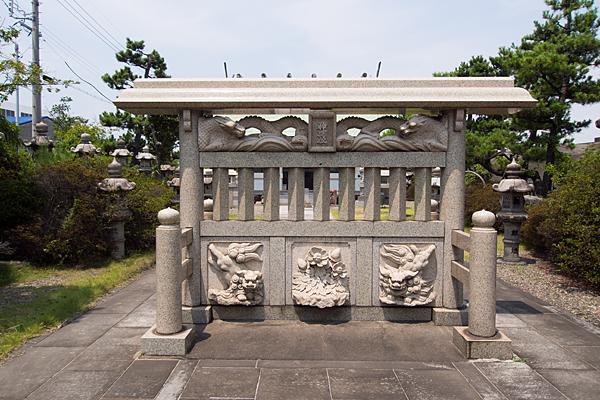 藤前神明社蕃塀