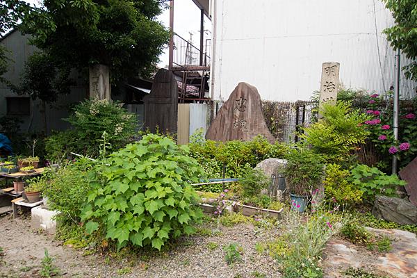 枇杷島八幡社忠魂碑など