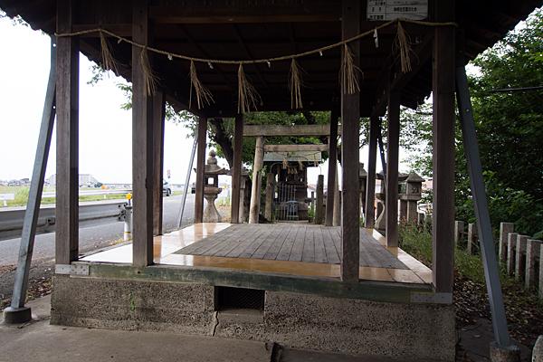 枇杷島神明社白山社合殿拝殿