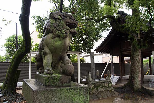 名塚白山社獅子