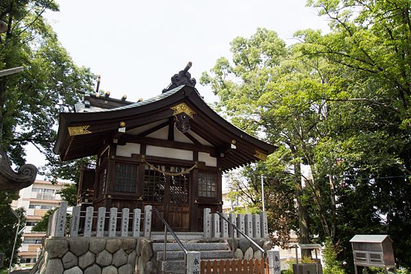 福徳町龍神社社殿前