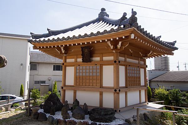 入場神社隣のお堂