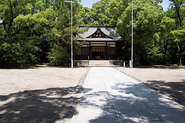 築地神社参道から拝殿