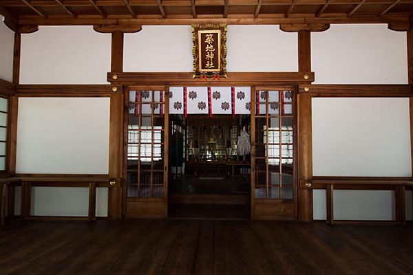築地神社拝殿内