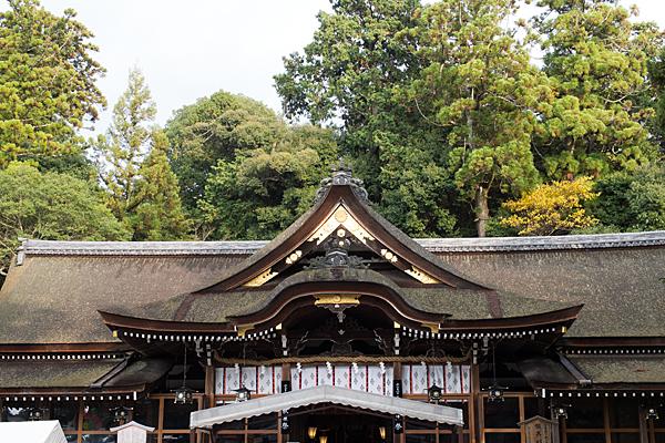 大神神社拝殿屋根