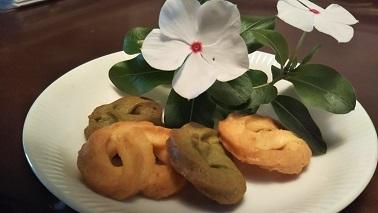 花とクッキー