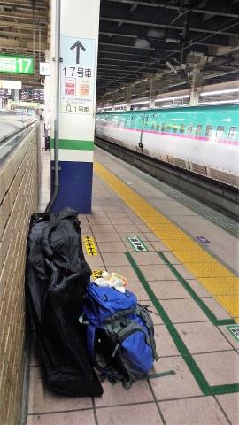 大宮駅で「はやぶさ」の始発待ち