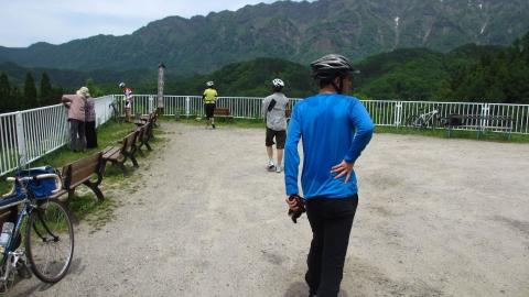 大望峠は車で来ている観光客もいました。ローディが一人居ましたね。