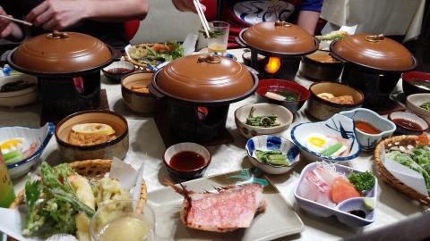 民宿のお食事、美味しいんだけど全然食べきれないのよね・・・(ノ´o`)