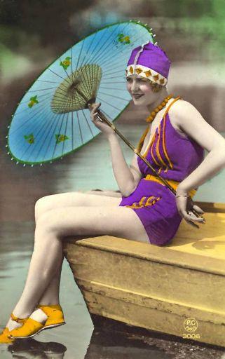 1920s-swimsuit-parasol_512.jpg