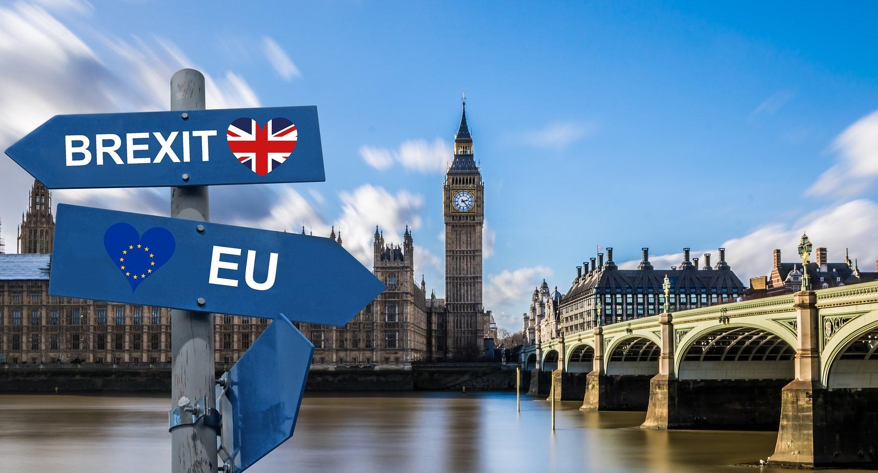 Brexit キャメロン首相 歴史に残る痛恨の失策