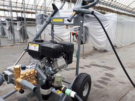 【写真】ケルヒャー社の高圧洗浄機