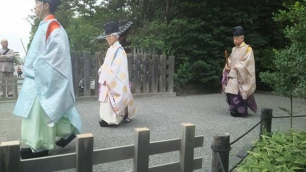 宮司さん_2