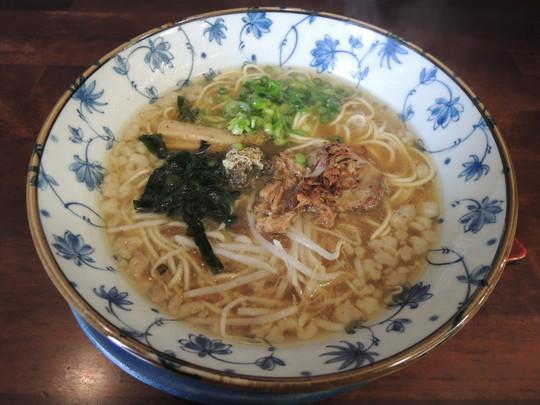 くれ星麺(煮干醤油)(640円)