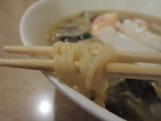 たんぽぽラーメンの麺