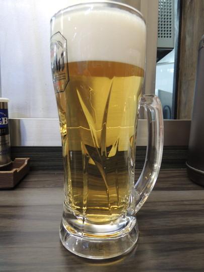 生ビール(中)(410円)