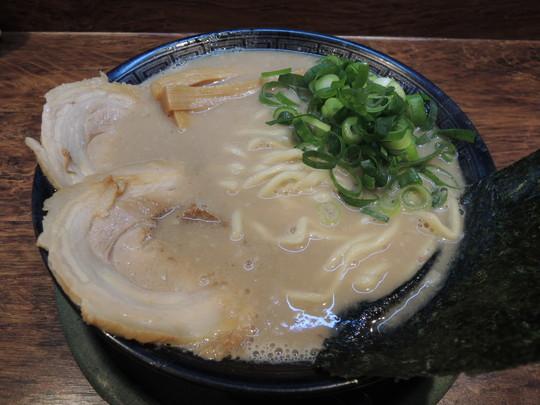 極老とんこつ(750円)
