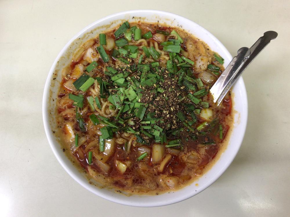 ビンギリ -- 勝浦タンタン麺