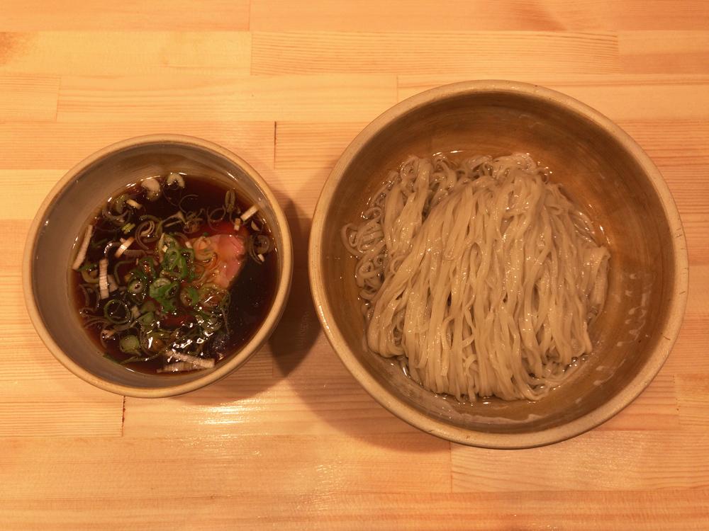 迂直 -- 鰹昆布出汁醤油つけ麺
