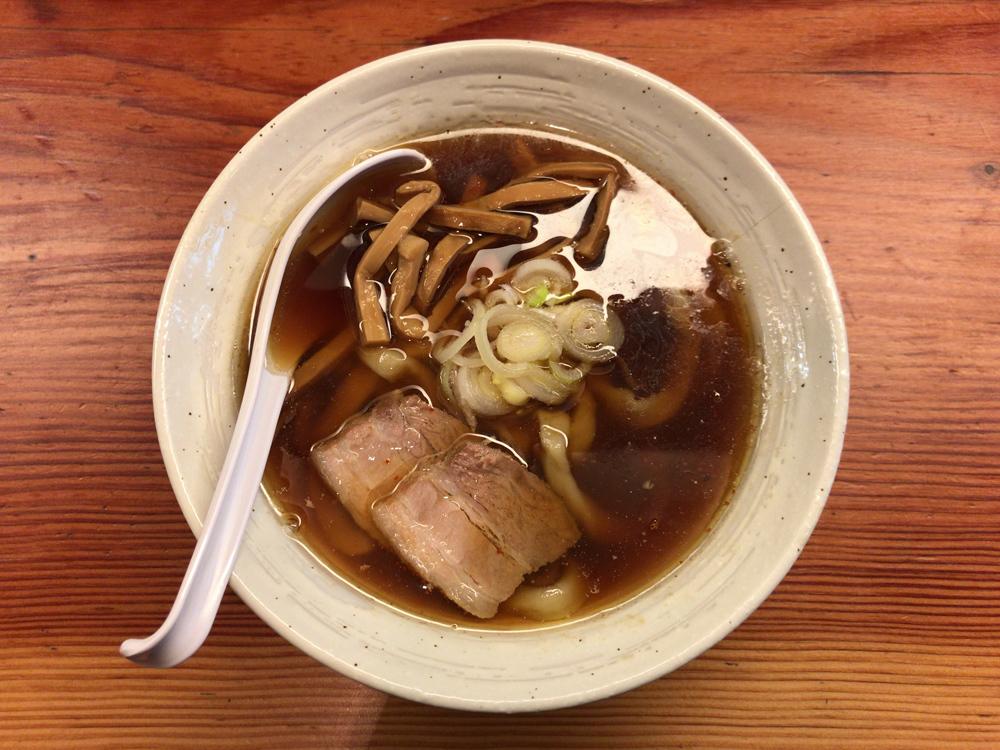 純手打ち 麺と未来 -- 醤油らーめん(月曜限定)