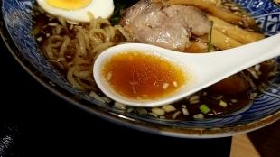 竜胆 醬油ラーメン スープ