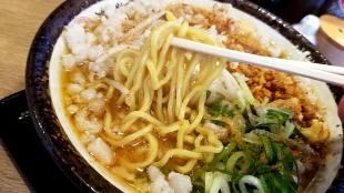 まごころ亭 霜降味噌ラーメン 麺