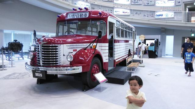 日野のボンネットバス