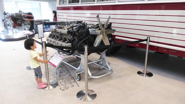 DS120 水平対向12気筒 国鉄バス用 自然吸気15ℓエンジン 320ps出ます