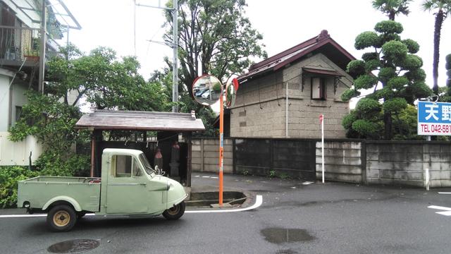 石倉と地蔵堂とミゼット