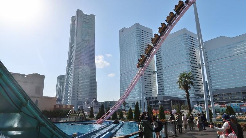 0320180311Roller coaster a Yokohama (800x449)