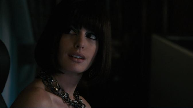 gs-Anne Hathaway bob