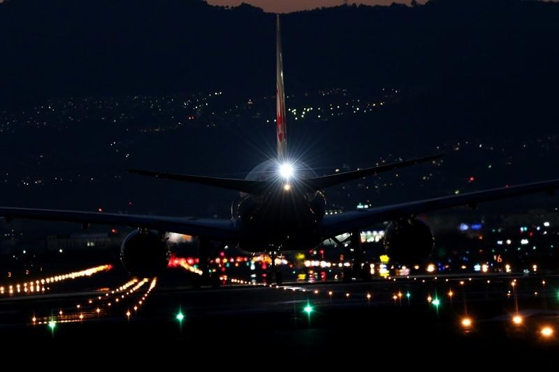 伊丹空港3180607