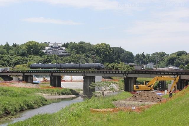 橋梁上から見た日豊本線